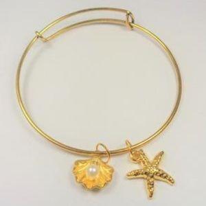 Jewelry - NAUTICAL GOLD TONE PEARL IN CLAM STARFISH BRACELET